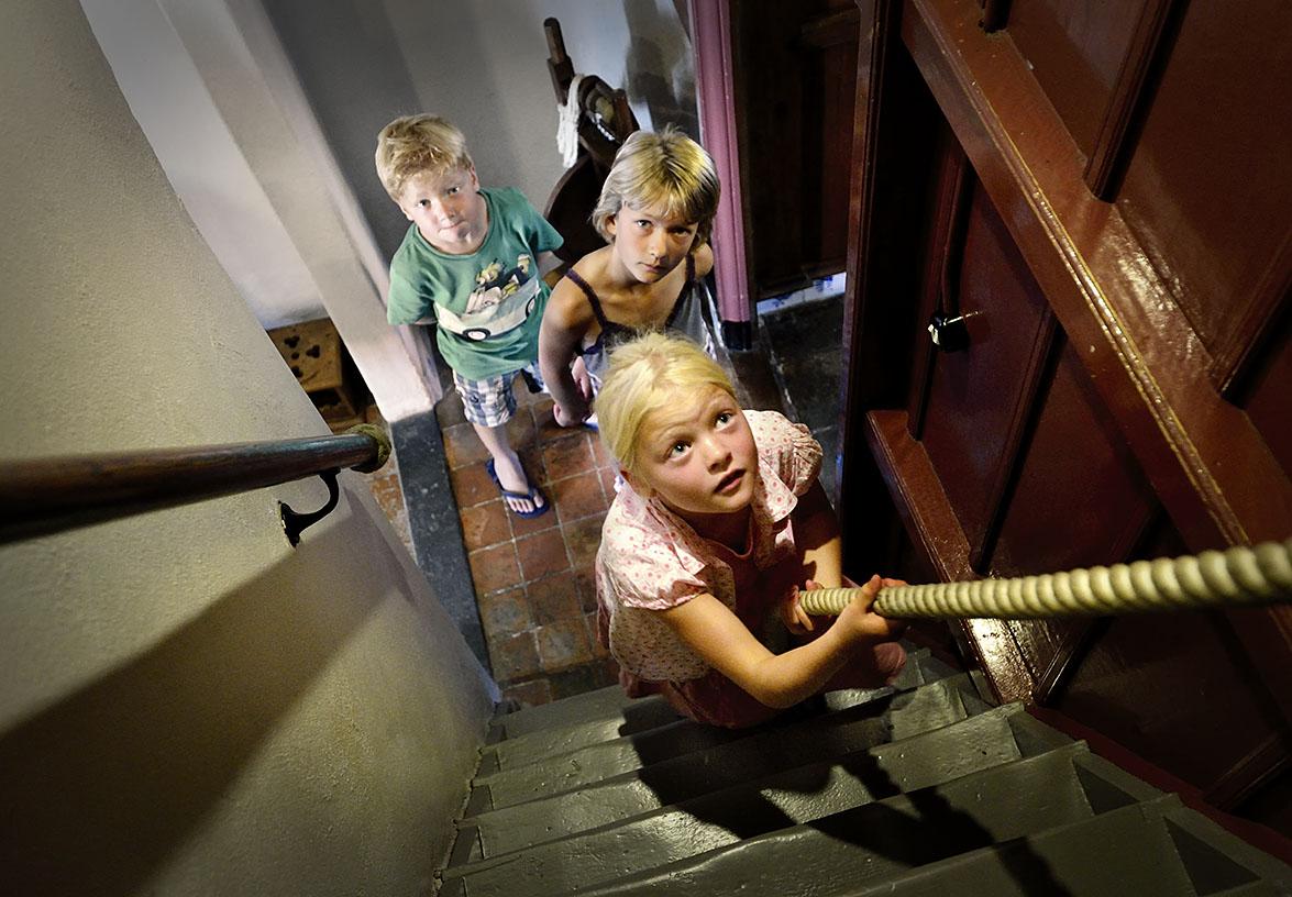 Klim naar de zolder van de Oudheidkamer, Texel